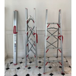 Escabeau télescopique 4 marches pliable et stockable en tube